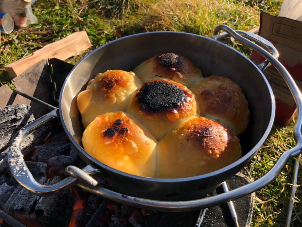 ソト(SOTO) のステンレスダッチオーブンで作った手作りパン