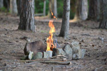 直火の焚き火はなぜいけない?禁止のキャンプ場が多い理由