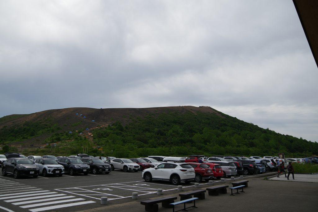 浄土平ビジターセンター駐車場