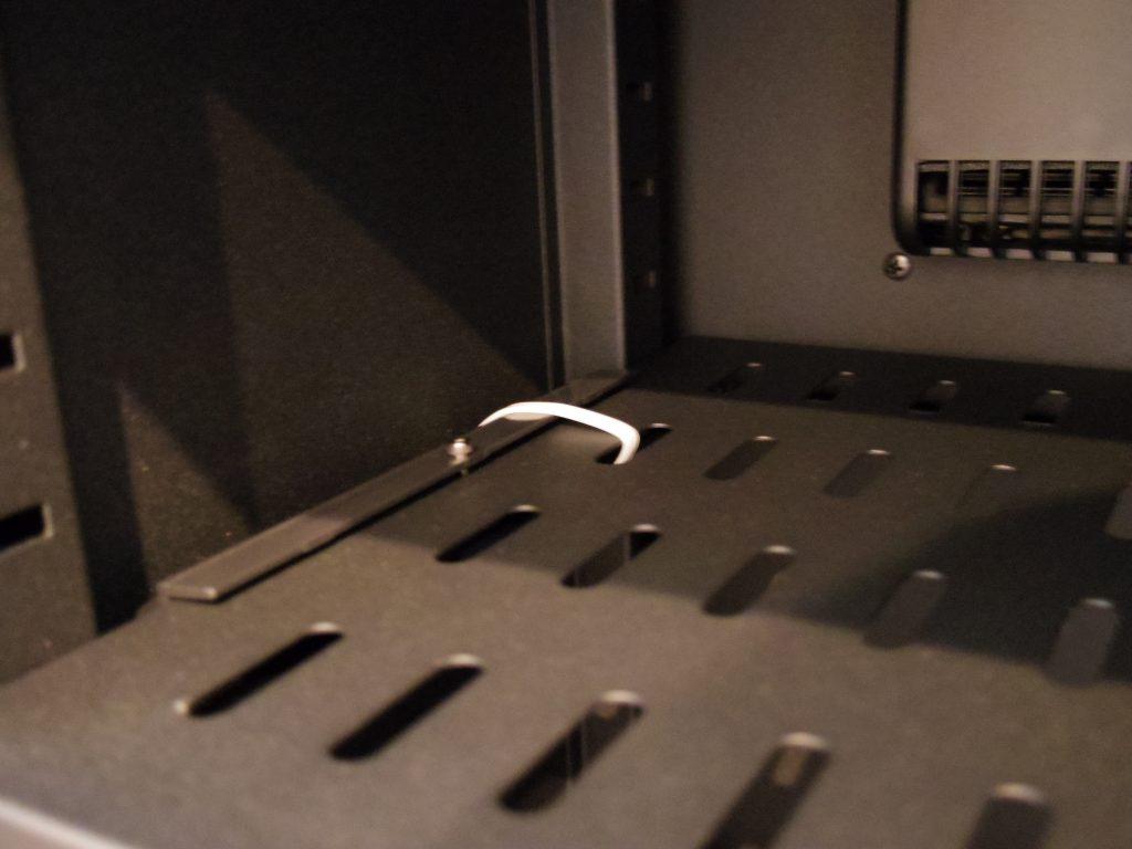 E-ドライボックスの棚板