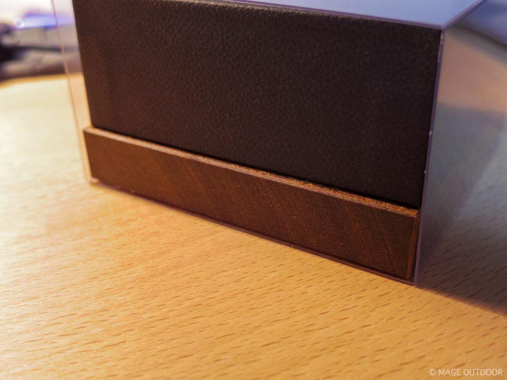ペンタプリズムの箱の台座