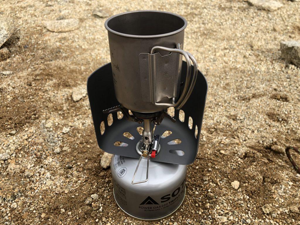 バーナーでコーヒーを沸かす